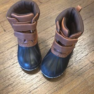 Gap toddler duck boots with thinsulate 5t-6t